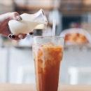 去台湾必喝珍珠奶茶,来到泰国就必喝泰式奶茶😋  #🐠🙆🏻🙇🏾👩🏻✈️🇹🇭 .
