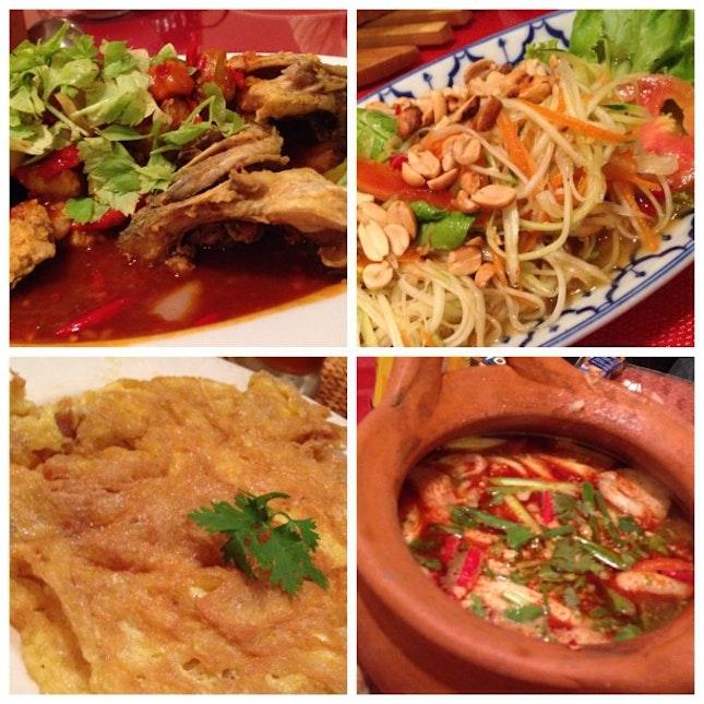 thai food with two more awangkus' 😜 @awangku81 @awangkuzulhilmi #food #foodporn #Bangkok