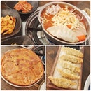 actually the first 부대찌개 tht i recall having real meat in it!