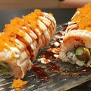 flamed salmon maki - didnt managed to get to the japan park event but we still got our sushi fix!