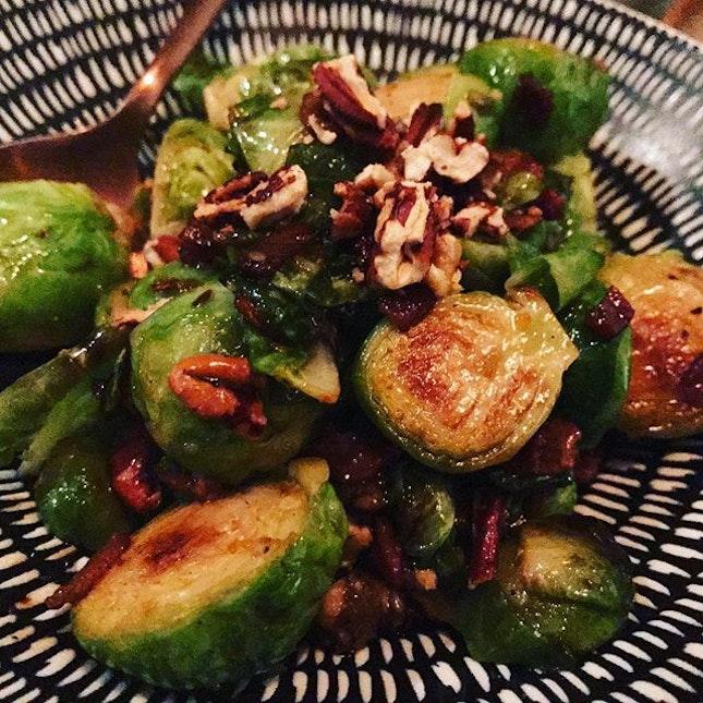 Caramelused brussel sprouts with balsamic glaze #lavzfood #lavzdining #lavzdiningexperience #diningsg #foodies #foodreviewSg #foodspotting #foodlovers #foodporn #foodreviewsasia #yummy #foodie #realfood #sgeats #foodpix #nofilter #citynomads #sgrestaurants #sgdining #sgfoodlover  #sgfoodies #sgfoodfinder #openricesg #burpple #instagood #foodstagram #foodgasm #sgeats #mediterraneanfood #vegetarianfood