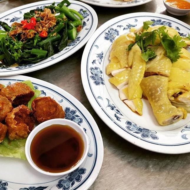 #cxyi @alanterlm @vanessaklx my favourite chicken rice again!