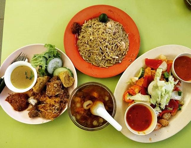 #cxyi a singaporean multi-racial meal yday.