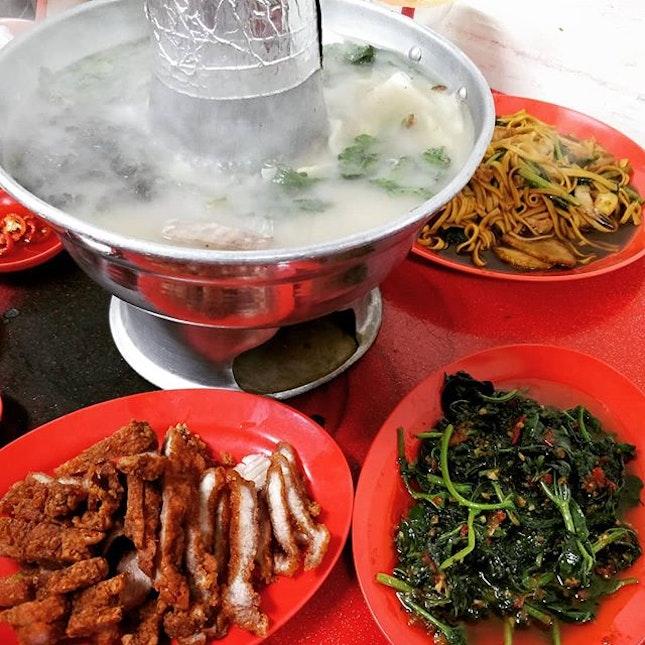 @yuyan.xiao @mariusloke ad hoc fish head pot while having a discussion about karma.