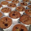 Chunky banana chocolate chip cupcakes.😜 soooooo good even w/o #frosting!😋😊 #homebaked #homemade #sweets #homebaker #bakermama #ilovebaking #baking101 #foodie #foodgasm #foodgram #foodporn #foodplay #foodathome