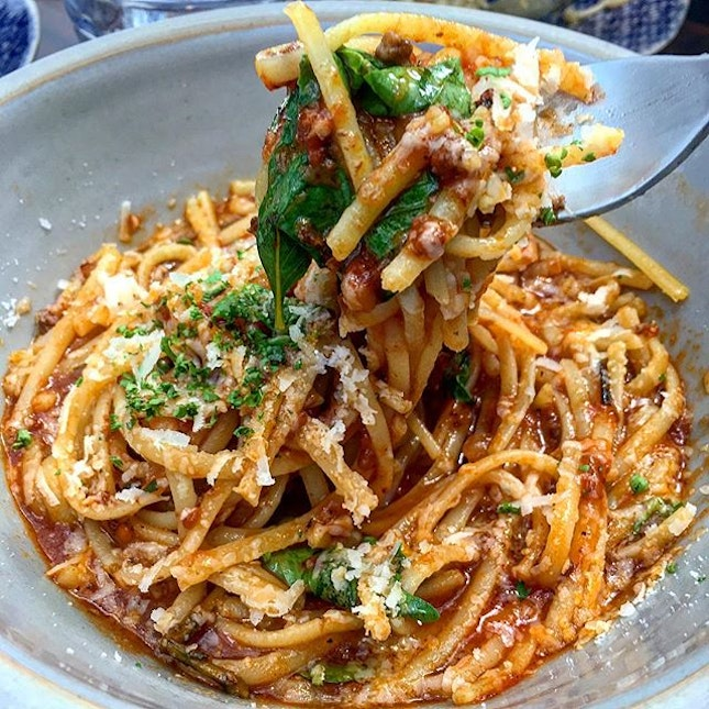 [#scribsnapscrib_taipei]  Hidden in the middle of yangminshan is this cute gem offering super homey food such as this mega flavorful basil bolognese pasta!