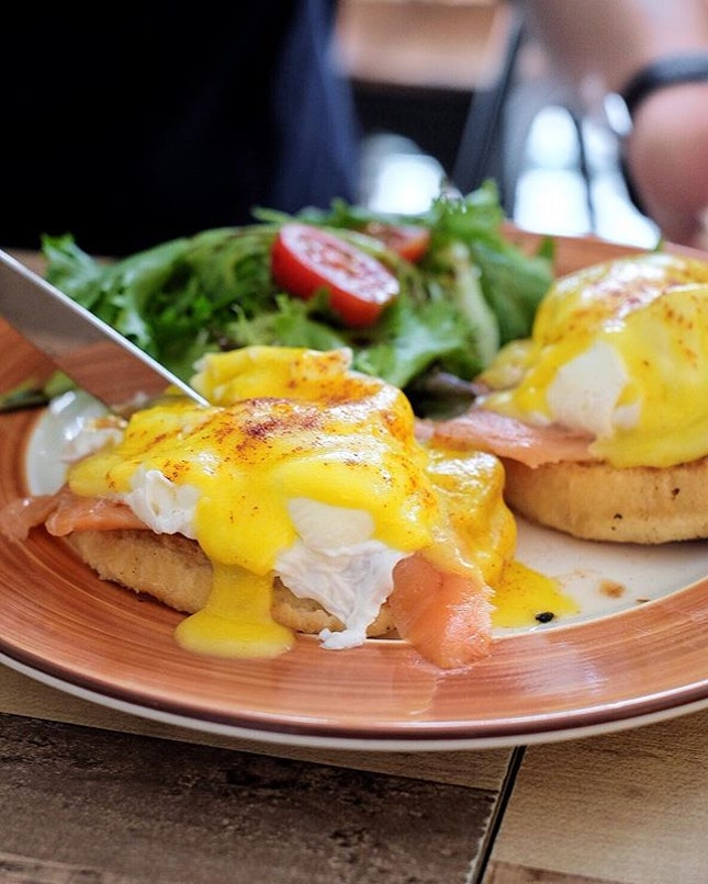 Egg Benedict [$13.90/$16.90] .