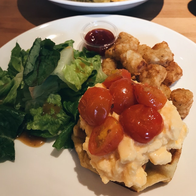 Oven baked Cherry Tomatoes with Scrambled Eggs & Protein Waffle