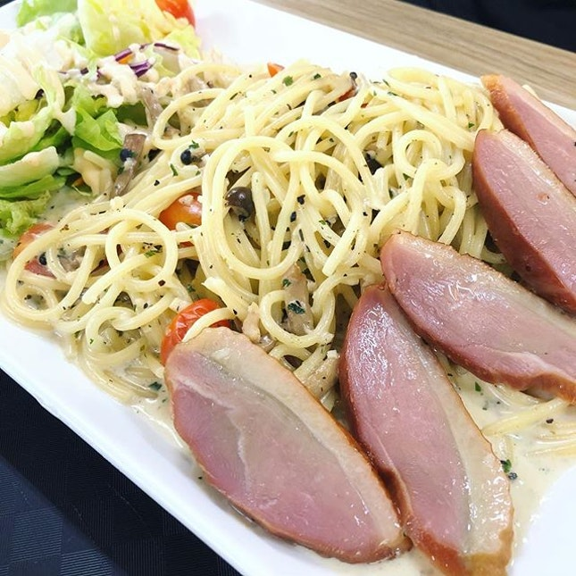 Creamy Smoked Duck Pasta ($6.50) | Opened in the same coffee shop as Donya Toa Payoh outlet, this western stall is a hidden gem!!