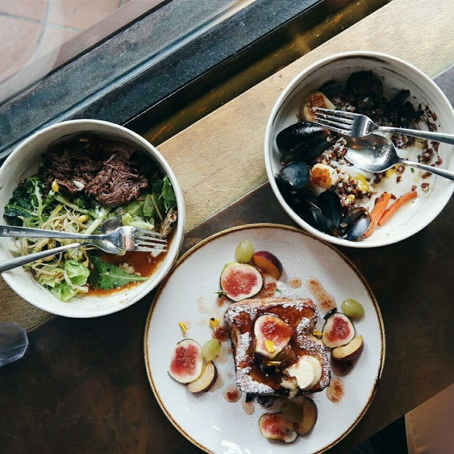 Kaisen Bowl And Fig Toast