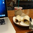 Chillaxing at Starbucks 😁😁