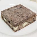 #auchocolat : #cookie n cream #brownie 😋😍✨!