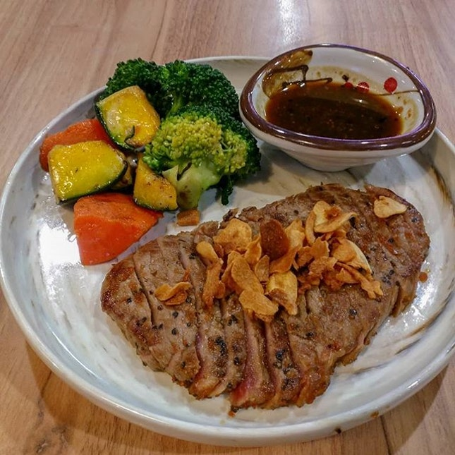 Charcoal grilled #beef #sirloin.