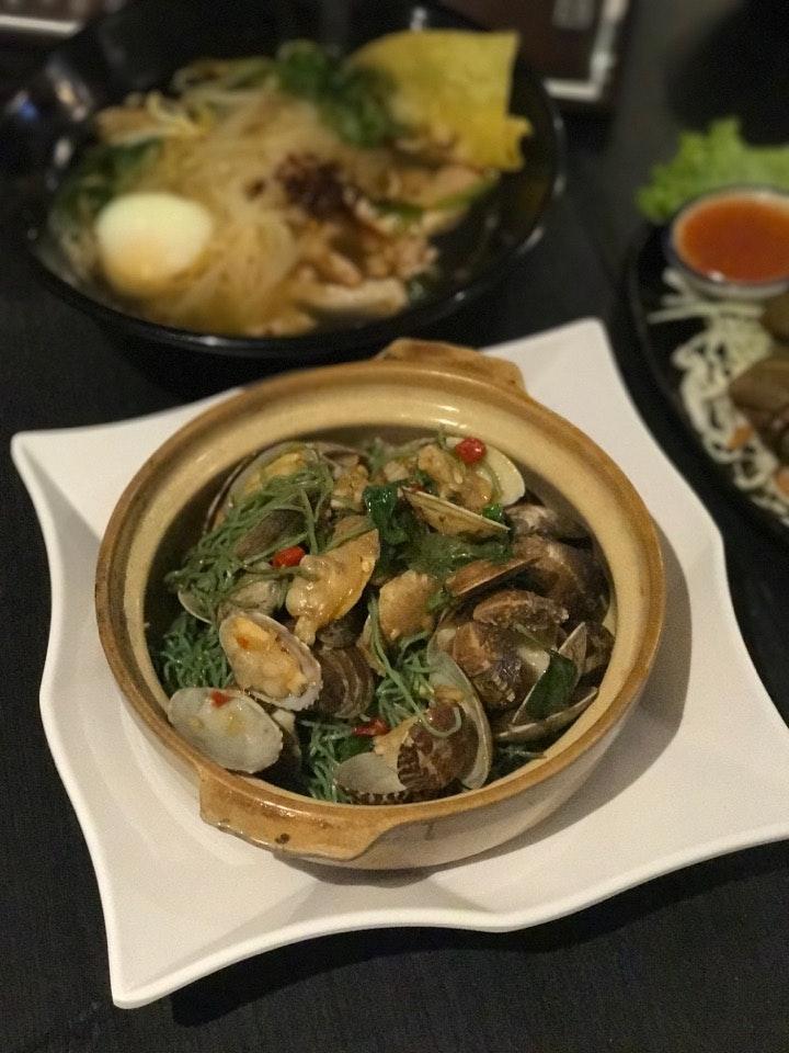 Claypot La La Jade Noodle
