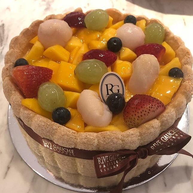 Rive Gauche Fruit Charlotte Cake ($50) 🎂 Finger sponge sandwiched with vanilla mousse n fresh fruits 🍰 So fluffy, so light, so delightful 😘  #burpple