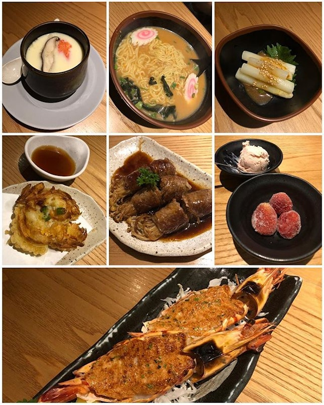 Satisfying lunch on this rainy Friday ☔️ Smooth silky Chawanmushi ($4.30) 🥚 warmed my belly & set my appetite ready for the always yummy Grilled Ebi with Mentaiko ($17.80) 🦐 Gyuniku Roll ($10.80) 🥩 and Ebi Yasai Kakiage ($6).