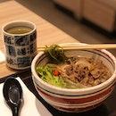 Gyu Niku Chasoba ($13.90) 🍵 My 1st time having warm green tea noodle and I must say I like it!