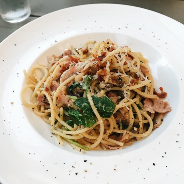 Mushroom Aglio Olio With Bacon ($14.90)