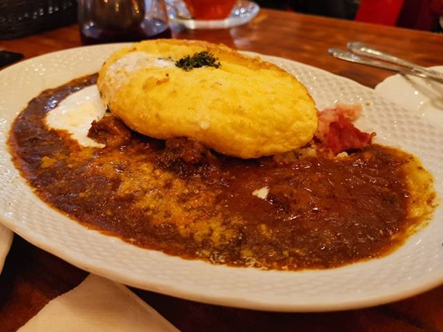 Omu souffle curry rice.