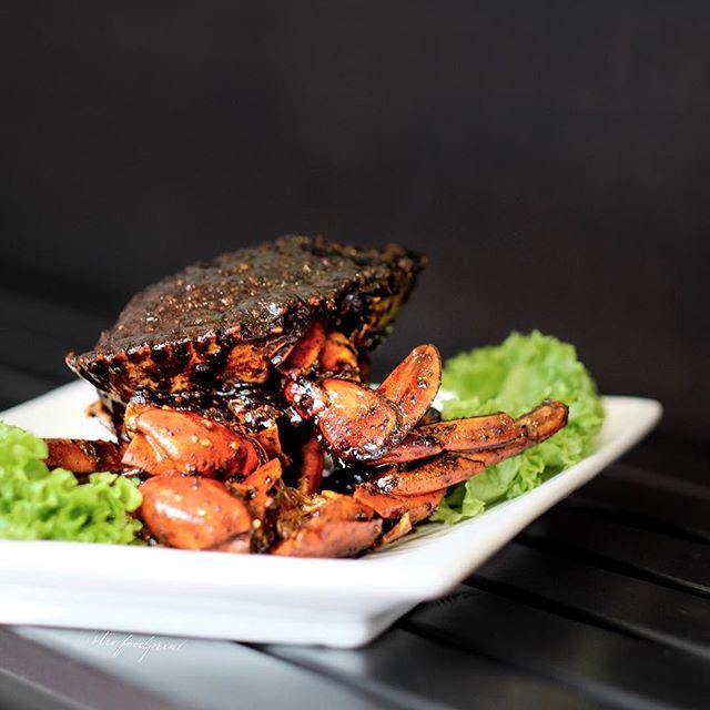 Black Pepper Crab (seasonal price).
