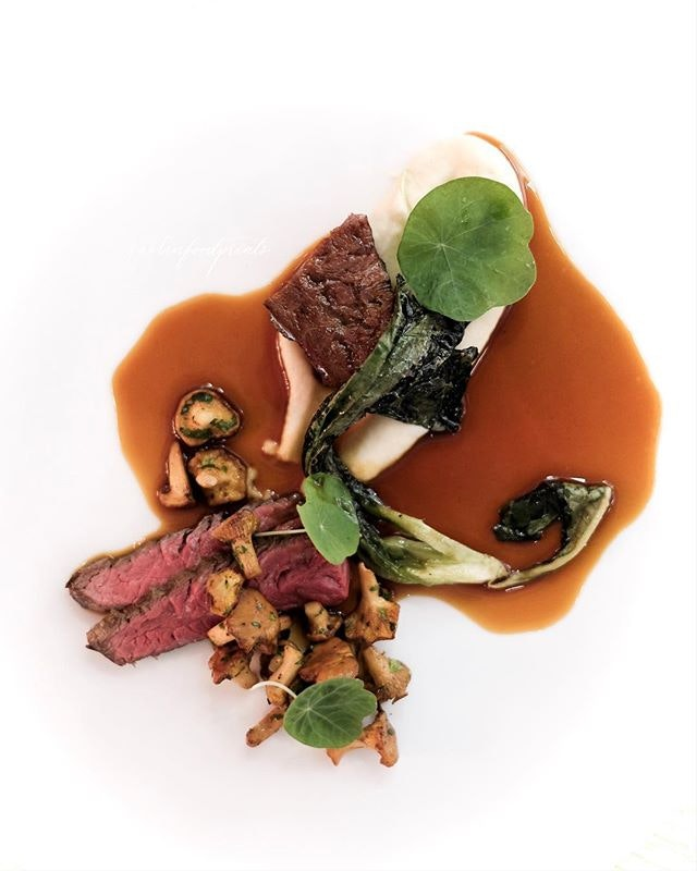 Chef's Table ($98/$128/$150 for 4/5/6 courses dinner).