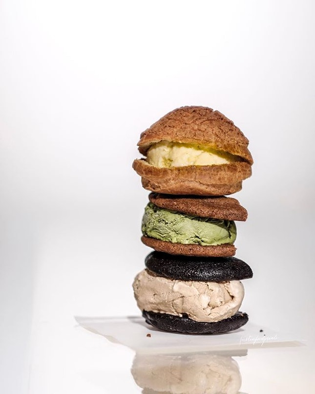 Ice Cream Burger ($4.90, +$1 for premium flavours).