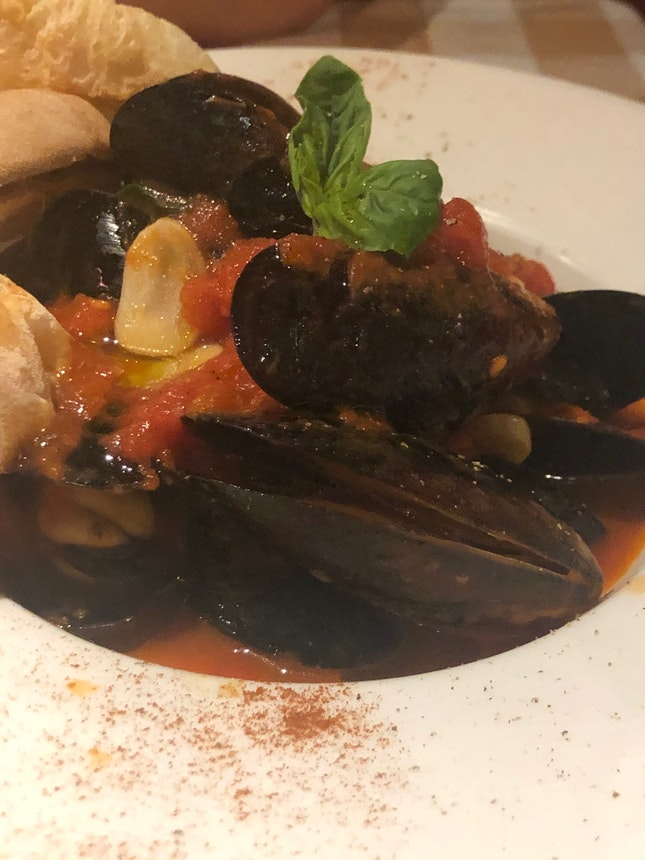 Avoid The mussels - Not Fresh !