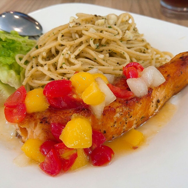Norwegian Salmon With Mango Salsa