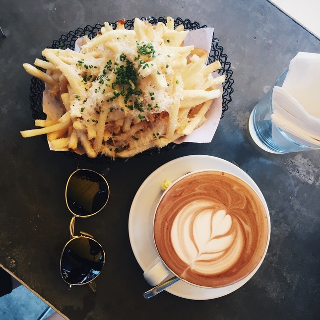Truffle Fries ($11) & Hot Chocolate 🍫