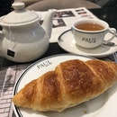 Earl Grey Tea with Butter Croissant