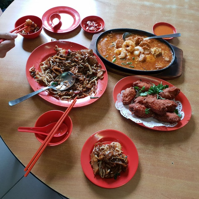 Traditional Zichar Dishes At Casuarina Road