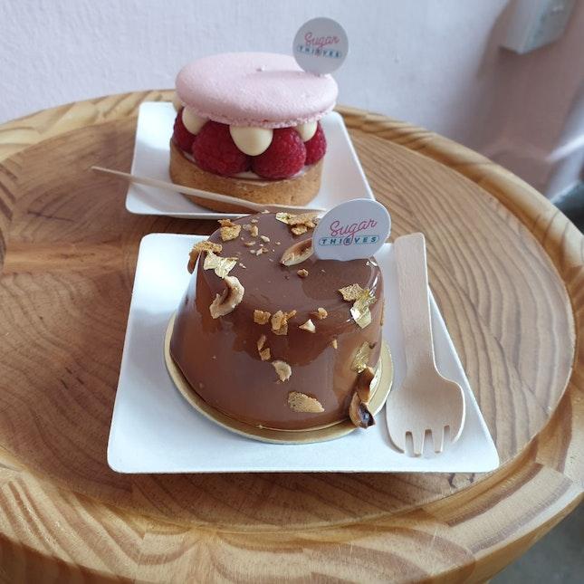 Artisan Cakes And Tarts