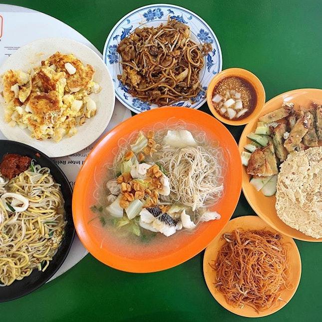 Hawker food tastes best when shared #foodforthree