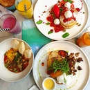 Day 2 - Starting our #bali morning right with a sumptuous #happybelly breakfast at the ever popular Sisterfields.