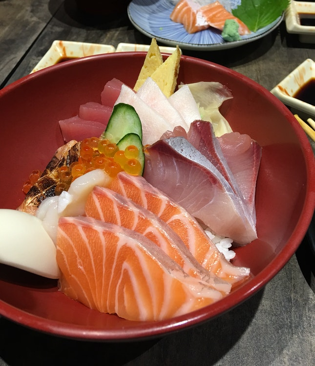 Affordable & Fresh Chirashi Don