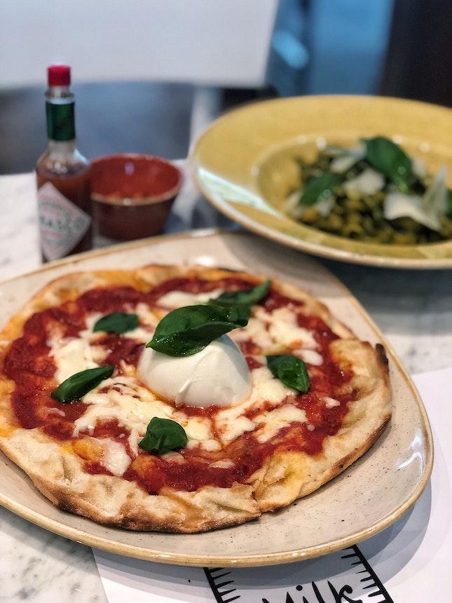 Pinsa Bufalina ($25/2 Course Set Lunch)