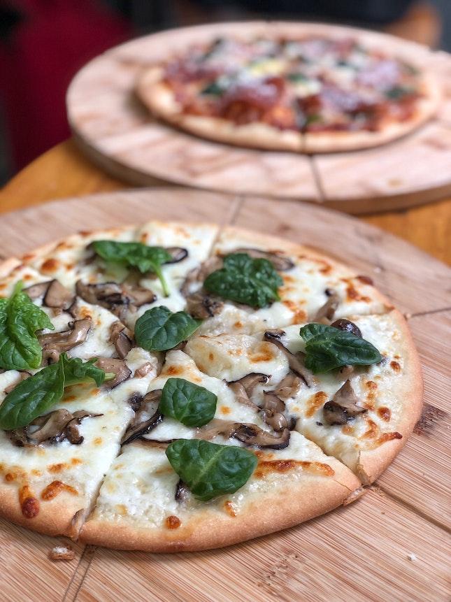 Truffle Mushroom Pizza ($18/Gourmet)