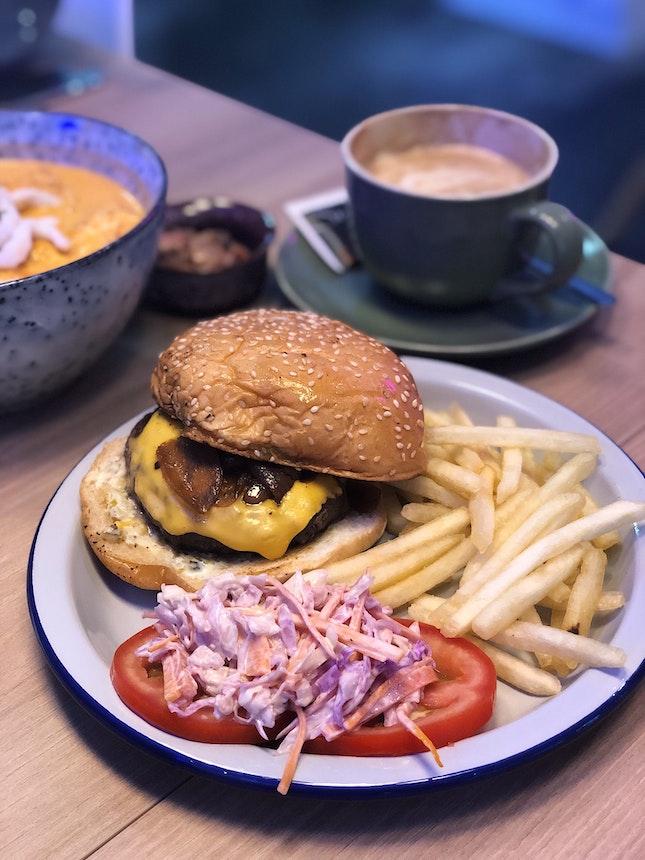 Cheeseburger ($10)