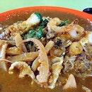 "Satay beehoon ""ai Hum"", and all the yummy cuttlefish, prawn & pork in a plate of nutty satay sauce."