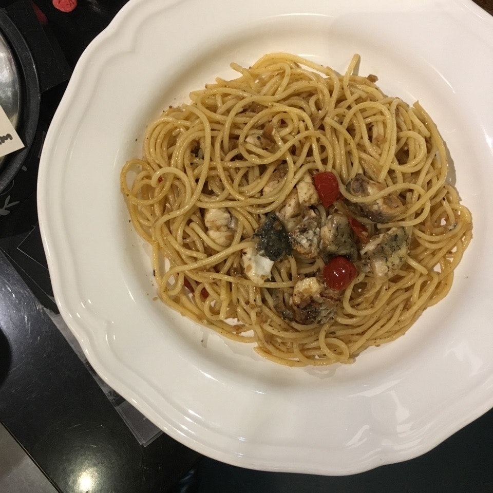 Spaghetti with Pan-fried Sea Bass