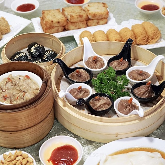 Yum Cha has introduced two new creation to celebrate the Nation's birthday; Bak Kut Teh Xiao Long Bao and Black Garlic Har Kow.