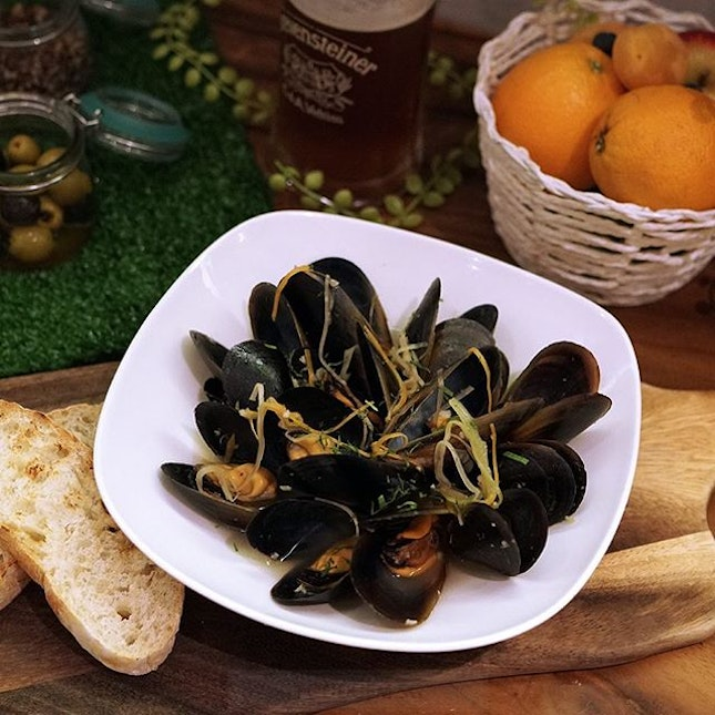 Saddle up partner, to a bowl of white wine infused mussels with fresh herbs and assorted vegetables.