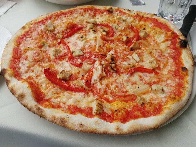 Pizza Con Pollo [$21]