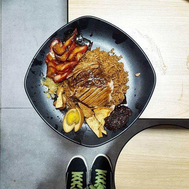 @yukeeduck Duck ric3 #yishunparkhawkercentre * 😋😋😋 * #yukeeduck #starvingfoodseeker #burpple #hungrysquad #foodstarz #videomasak #phaat #foodbossindia #losangeleseats #eatingnyc #damien_tc #singaporeinsiders #thisisinsiderfood #jktfoodbang #exploreflavours #asiafoodporn #feedthepanda #foodie #dailyfoodfeed #thisisinsider #thisisinsiderfood