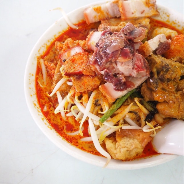 The Legendary Big Bowl Curry Mee