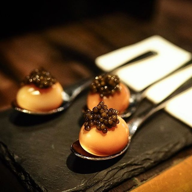Smoked quail eggs + caviar 👍🏿 @burntends_sg Craving for eggs now!