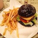 #cafesg#cafehoppingsg#cafefood#foodporn#foodhunter#instafood#cafe#foodlover#foodpic#hungry#food#sgfoodiary#foodie#cookingpanda#burpple#tinlicious#foodpandasg#foodgasm#burger#fries#muparlour
