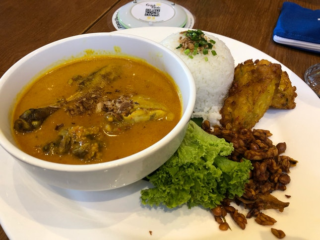 Sumatera Chicken Curry Plate