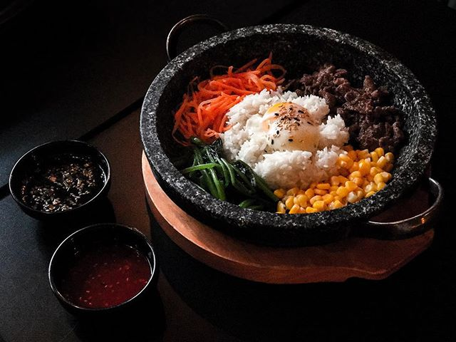 EiGHT Korean BBQ - Invited Tasting - Design your own Bibimbap (💵S$10.90 & up) Only available during Lunch Hours from 11.30am till 2.30pm (last order at 2pm) 🍲 • Here's a bowl of ; White Rice as Carbs out of the choices of Purple Rice & Quinoa (+💵S$3)  Protein is gonna be Beef Bulgogi against Spicy Chicken & Stir-Fried Pork.