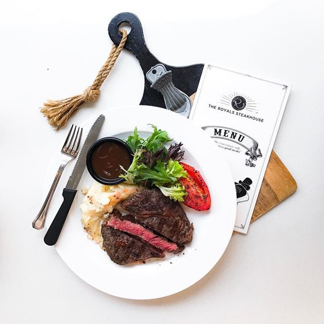 The Royals Steakhouse- HOSTED TASTING - Prime New Zealand Ribeye (💵S$28/200g-220g) cooked medium.